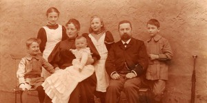 Noelle Family (1895)