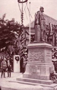 Fritz Schaper and Emperor William II in Geldern during the inauguration ceremony for the monument of William I (1913)