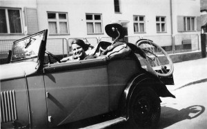 Elisabeth Noelle driving in a car of a friend to Koenigsberg (1936)