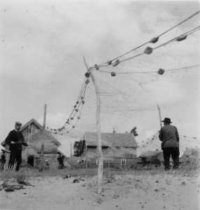 Fishermen in Pillkoppen (Photograph: Elisabeth Noelle, 1936)