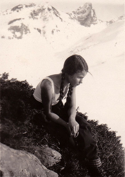 Elisabeth Noelle on a moutain hike in Zürs, Austria (1930)