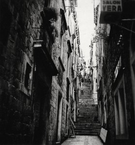 Alley in Dubrovnik (Photograph: Elisabeth Noelle, 1936)